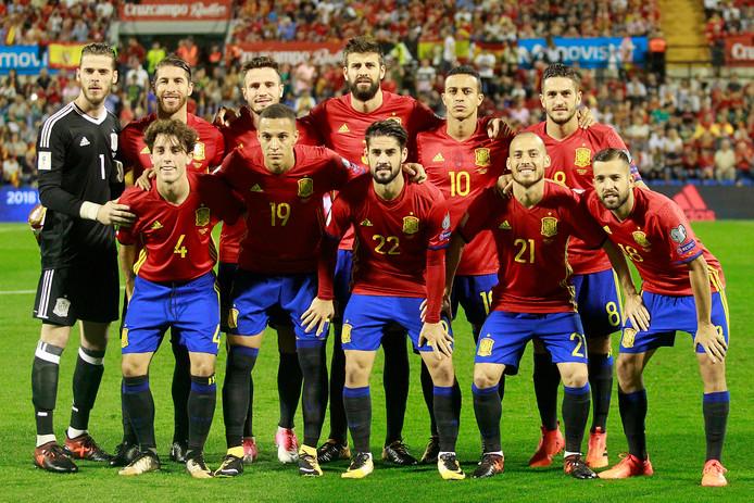 Het nationale elftal van Spanje voor de wedstrijd tegen Albanië.