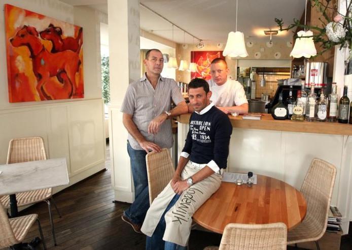 Steven Heijnen, René Peters en Maarten Kropman zijn de drie mensen achter eetcafé Lodewijk. foto Gerard Verschooten