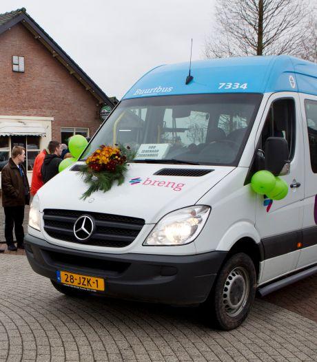 Buurtbus-taxi als alternatief voor de buurtbus in coronatijd: 'We missen de buurtbus vreselijk'
