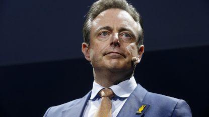 """De Wever: """"Ik ben erg onder de indruk van de solidariteit onder omwonenden"""""""