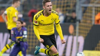 Knappe assist Thorgan Hazard loodst Dortmund naar zege in topper in Bundesliga
