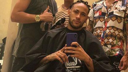 """Neymar (met dreadlocks) vindt dat """"vijf maanden Parijs aanvoelen als vijf jaar"""" en er zouden ook 5 redenen zijn waarom hij nu al bij PSG wil vertrekken"""
