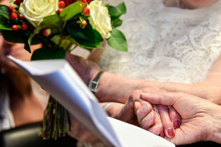 Eric en Jeannine hernieuwden hun huwelijksbelofte.