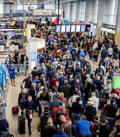 Schiphol: zo'n 6000 gestrande reizigers vandaag op inhaalvlucht