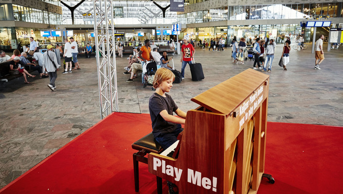 Na het succes vorig jaar tijdens North Sea Jazz keert de piano terug in de hal van CS.