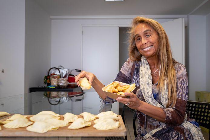Zulma Paves verkoopt empanadas en opent weldra  in Artenova in Mechelen