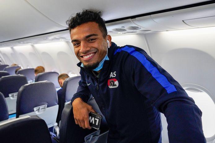 Owen Wijndal in het vliegtuig op weg naar San Sebastian.