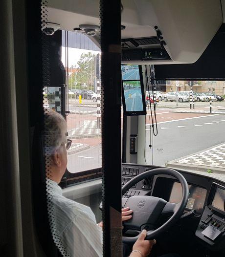 Geen buitenspiegels meer, maar camera's: zo rekenen de nieuwste bussen af met de gevaarlijke dode hoek