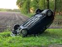 Auto's werden tijdens het protest omgeduwd in Boxtel.