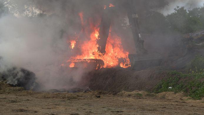 Een flinke vlammenzee in Harreveld.
