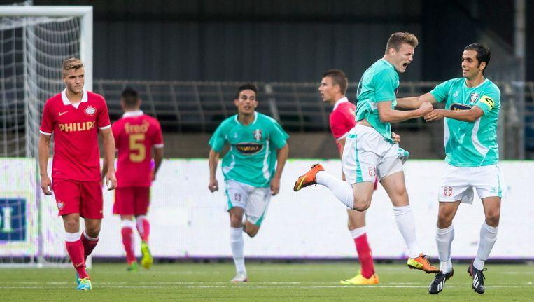 FC Dordrecht op 2-0. Beeld pro shots