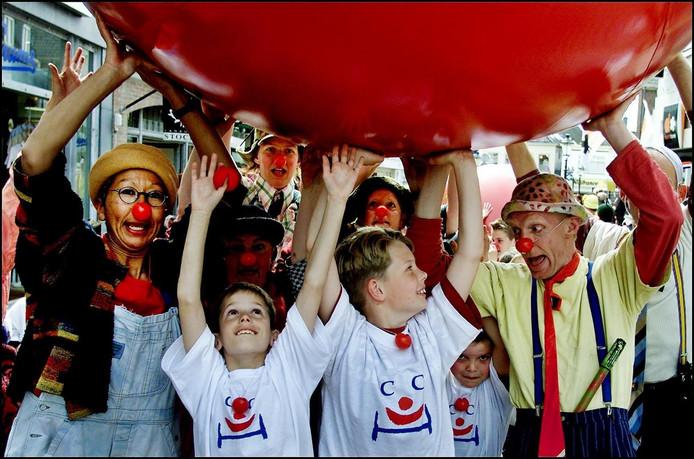 Horrorclowns nekken ook nederlandse ronald mcdonald for Clown almere
