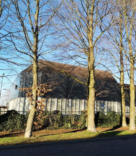 Moslima's in Arnhem zwemmen halal: zonder mannen en met de luiken dicht