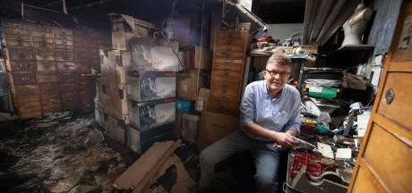 Almelose winkelier verdelgt onkruid met gasbrander en zet eigen zaak in lichterlaaie: 'Hoe dom kun je zijn'