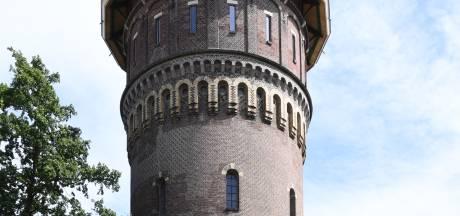 Eigenaar zet monumentale Bergse watertoren te koop