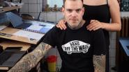 """Dieter (38) opent tattoo-shop in volle coronacrisis: """"Mijn oudste klant is 76"""""""