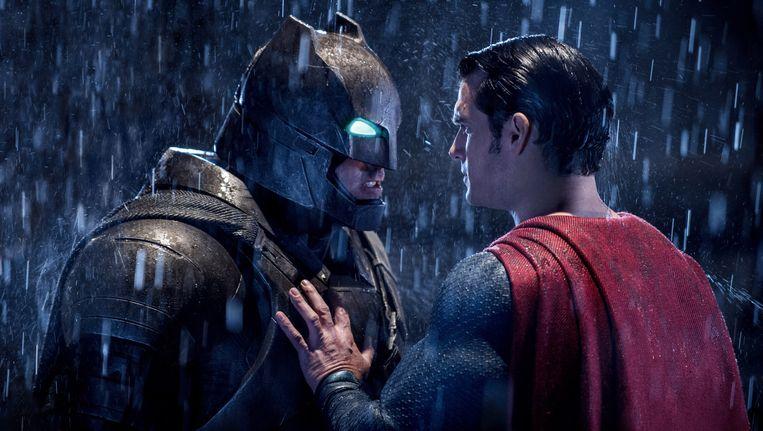 Ben Affleck als Batman (L) in 'Batman v Superman: Dawn Of Justice'. Beeld ap