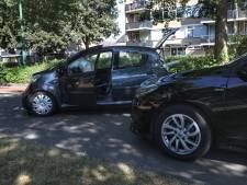 Automobiliste ziet andere auto over hoofd: botsing Zaltbommelseweg Oss