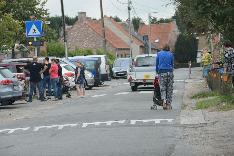 De verkeersdrempels zijn er al in de Leebrugstraat, nu nog voet- en fietspaden.