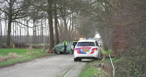 Vrouw uit Wijhe overlijdt na auto-ongeluk.