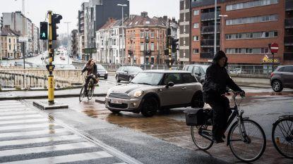 Levensgevaarlijk kruispunt B401 krijgt onderdoorgang: goed nieuws voor fietsers!