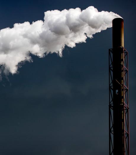 'Tata Steel moet zeker 170 miljoen euro op personeelskosten bezuinigen'