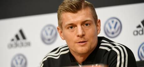 Kroos verdedigt keuzes Löw: 'Verschuivingen niet zo dramatisch'