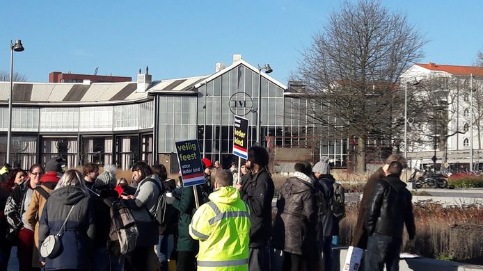Anti-Zwarte Piet-demonstranten in Tilburg.