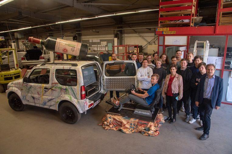 Leerlingen van het 5de jaar autotechnieken wonnen een Suzuki Jimny en bouwden de auto om tot een simulator dronken sturen.