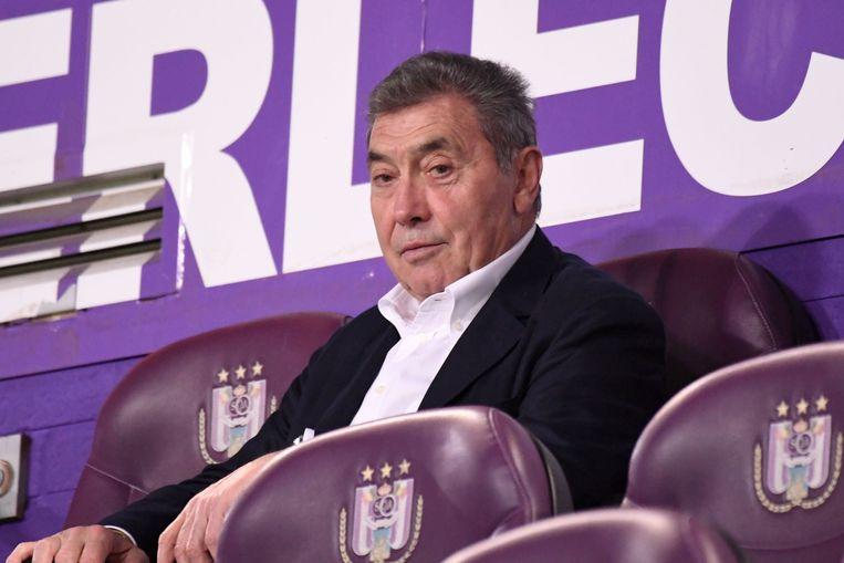 Eddy Merckx in de tribune van Anderlecht.