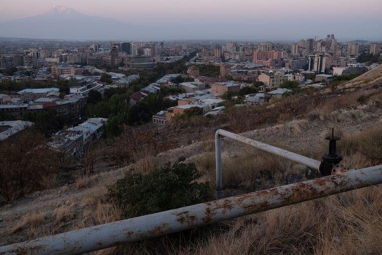 Uitzicht op de stad Jerevan. Beeld GIULIO PISCITELLI