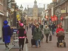 Winkelen in Gennep op zaterdag voor sinterklaas: bijna alles is er te koop