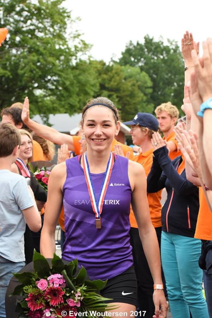 Brons voor TU/e-studente op NK 800 meter hardlopen. foto Evert Woutersen