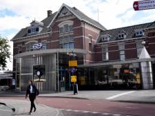 Politie pakt overlastgevende hangjongeren op station Woerden aan