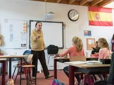 'Hola' en veel meer Spaans wordt opgedreund in Puttens klaslokaal