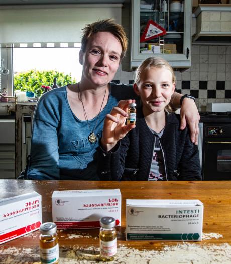 Medisch avontuur in Georgië geslaagd: Zaïra (12) verlost van chronische blaasontsteking