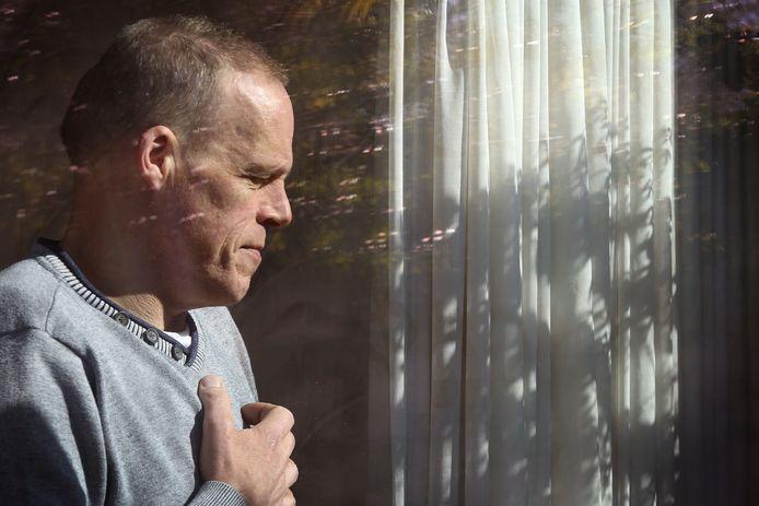 Andre Visser (55) was al opgeroepen voor zijn openhartoperatie ivm een nieuwe hartklep. Maar vanwege de corona-perikelen weer huiswaarts gezonden. Hij wacht in spanning af.