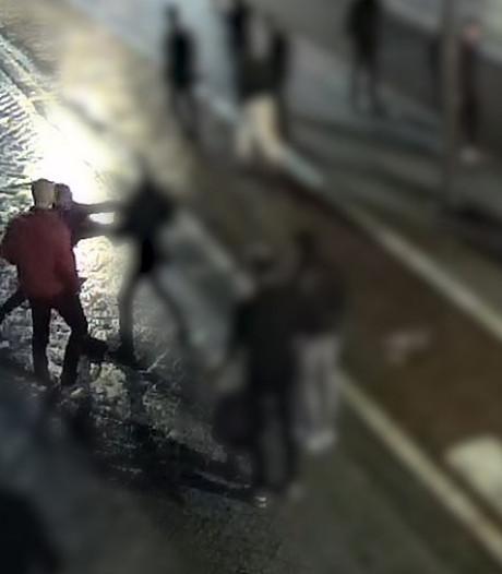 Man (24) buiten bewustzijn geraakt na vechtpartij op het Leidseplein