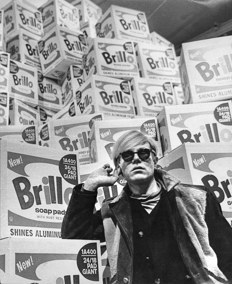 Andy Warhol in 1968 in het Moderna Museet in Stockholm.  Beeld Moderna Museet Stockholm