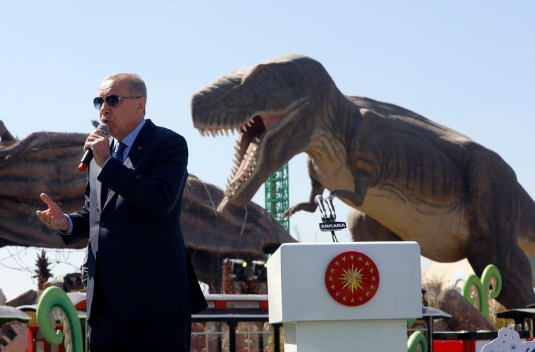 De Turkse president Recep Tayyip Erdogan spreekt bij de opening van een pretpark woensdag in de hoofdstad Ankara. Beeld AP