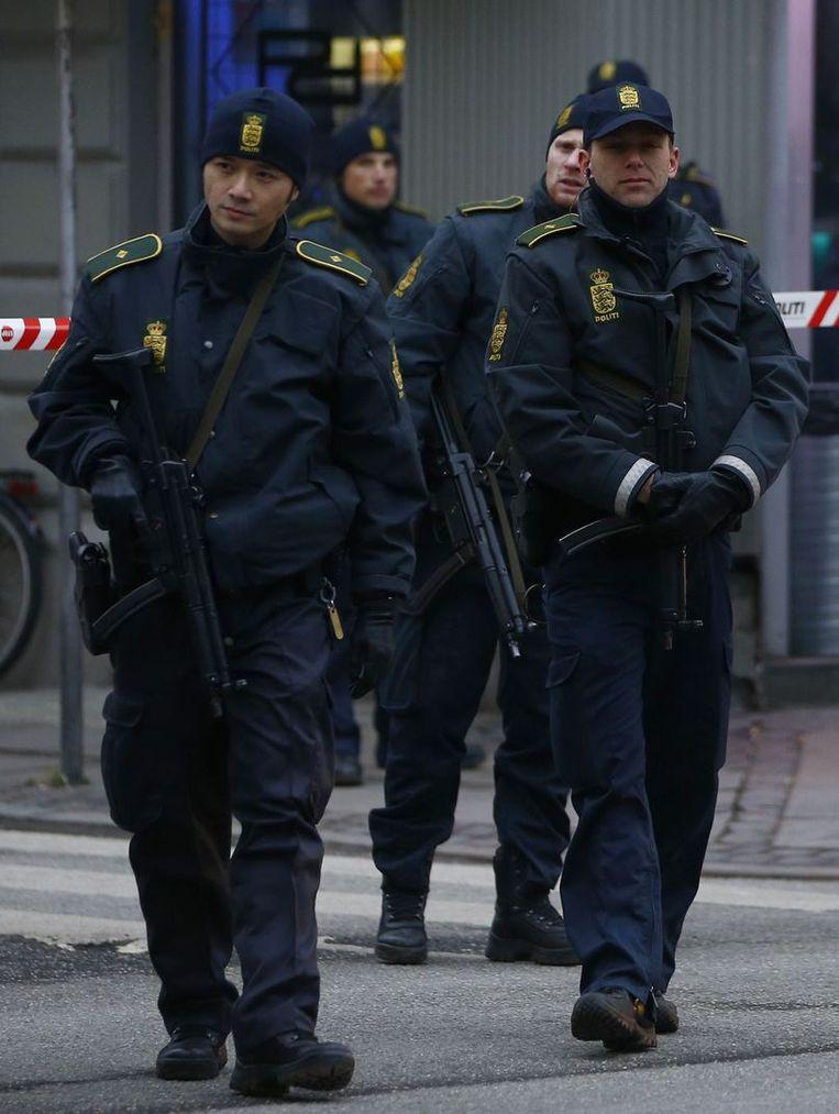 In Kopenhagen is de politiebewaking na de aanslagen verscherpt. Beeld reuters