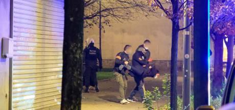 Trois véhicules incendiés, des interpellations mais pas d'arrestation à Anderlecht