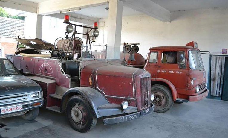 De brandweerwagens in Nepal zijn sterk verouderd.