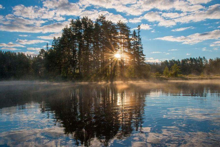 Prachtige meren in Zweden, waar je doorheen kan kanoën.
