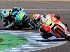 Mir wint eerste race Moto3, Bendsneyder kansloos na val
