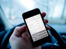 Bezig met smartphone in auto? Politie doet morgen extra controle