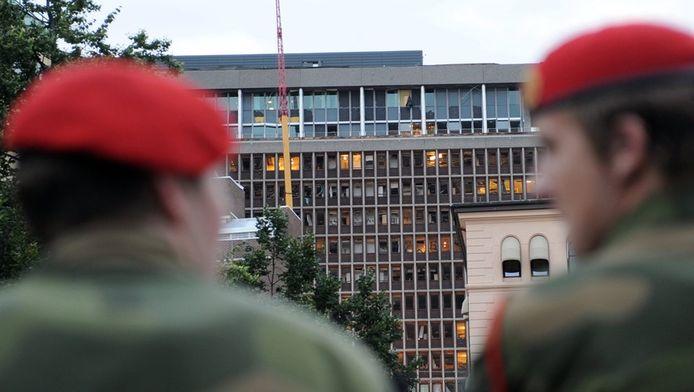 Het zwaar beschadigde overheidsgebouw in Oslo dat vorige vrijdag door een bomaanslag getroffen werd.