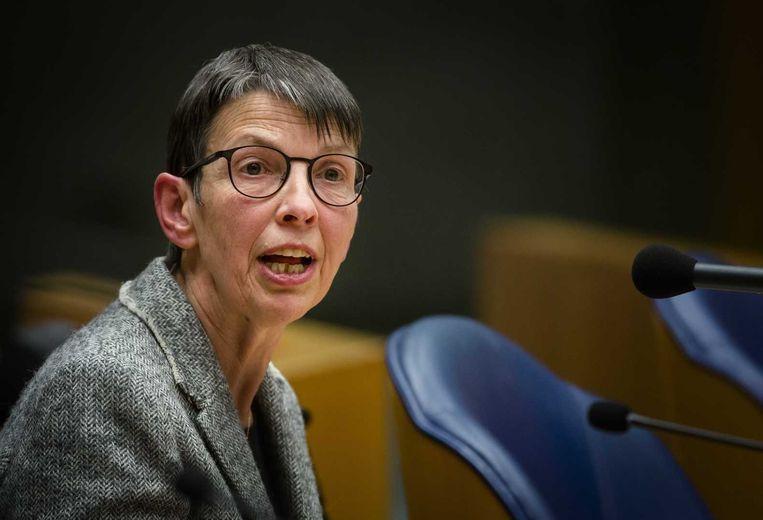 Ook staatssecretaris Jetta Klijnsma van sociale zaken was bij het debat aanwezig, omdat de Sociale Verzekeringsbank onder haar verantwoordelijkheid valt. Beeld anp