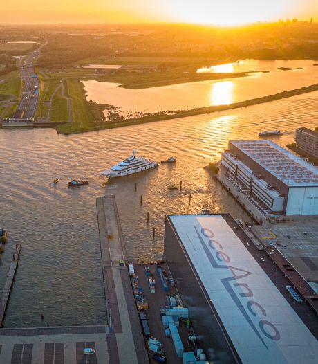 Feestvierder op boot blijkt besmet: tien agenten in quarantaine