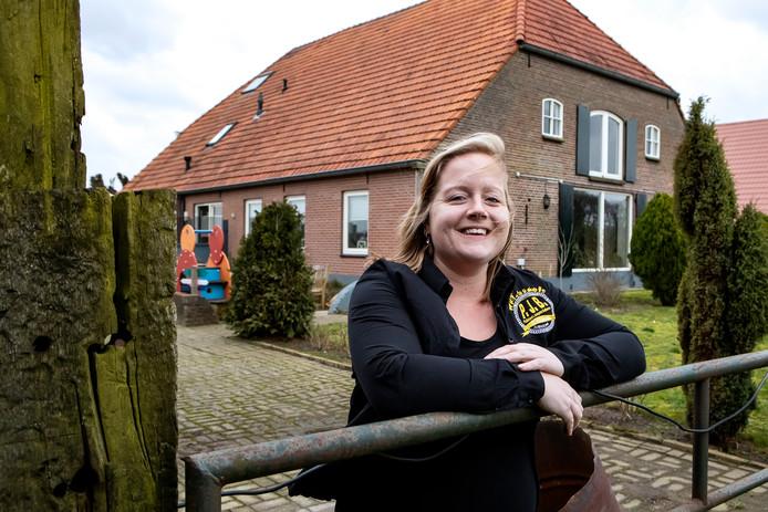 Jessica van de Loosdrecht is voorzitter van de 100-jarige Plattelands Jongeren Bathmen.